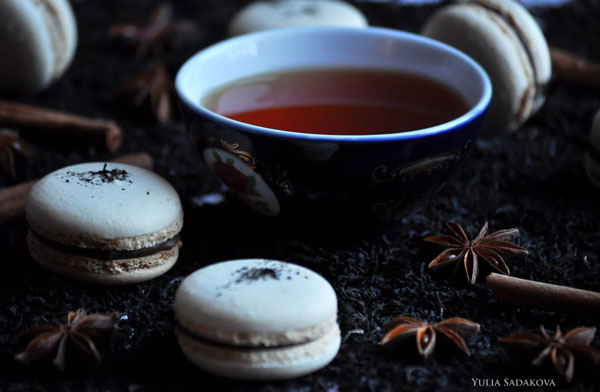 Macaroons with earl grey tea